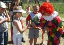 Catering na Kinder Party oraz zabawy z Clownem w ogrodzie Gościńca Oycowizna, 100os.